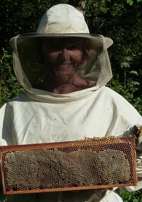 Kyra et les abeilles